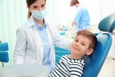 Кто это такой и чем занимается зубной врач